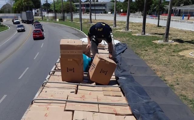 66aa0010e Caminhão carregado com calçados falsificados é apreendido em Garanhuns. By  Evandro Matos. Posted on 20 de março de 2019